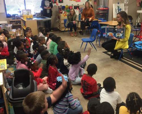 Destiny Quinn Reads to Pre-K North Students