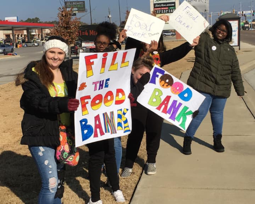 Students Participate in Fall Food Drive
